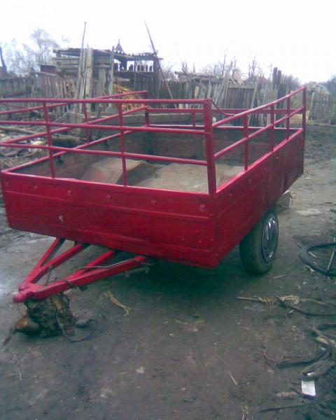 remorca auto rominesca in stare buna