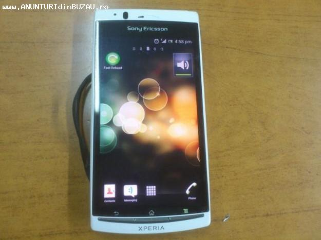 Vand/Schimb Sony Ericsson Xperia ARC S WHITE