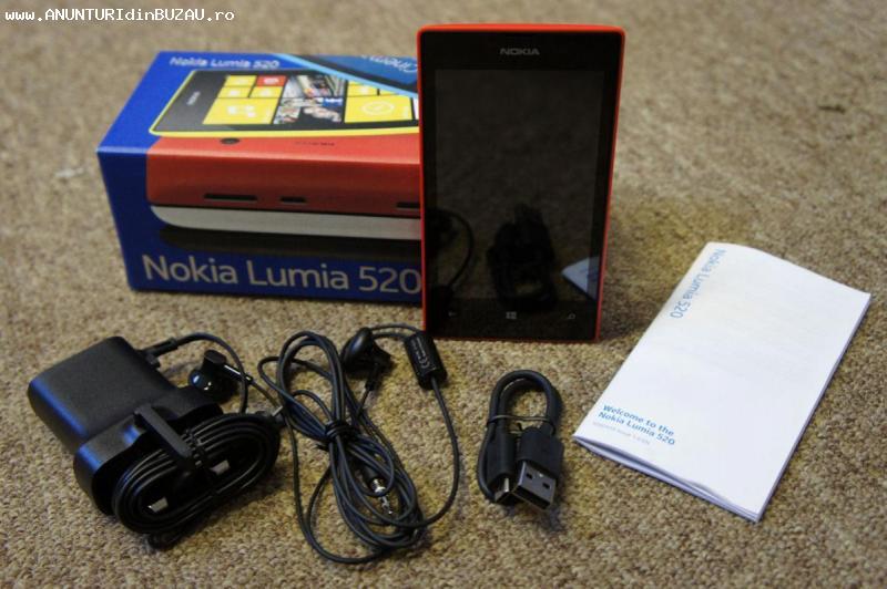 Nokia 520 lumia si Nokia Xpress Music