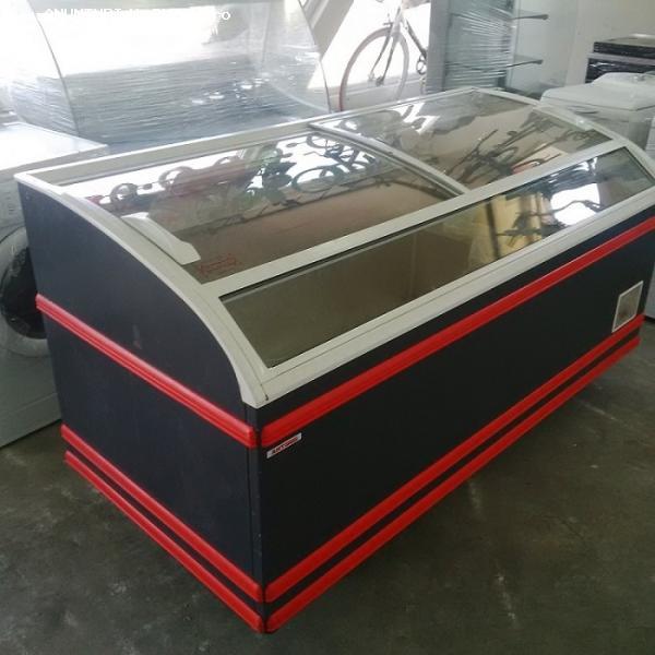 Lada frigorifica AHT