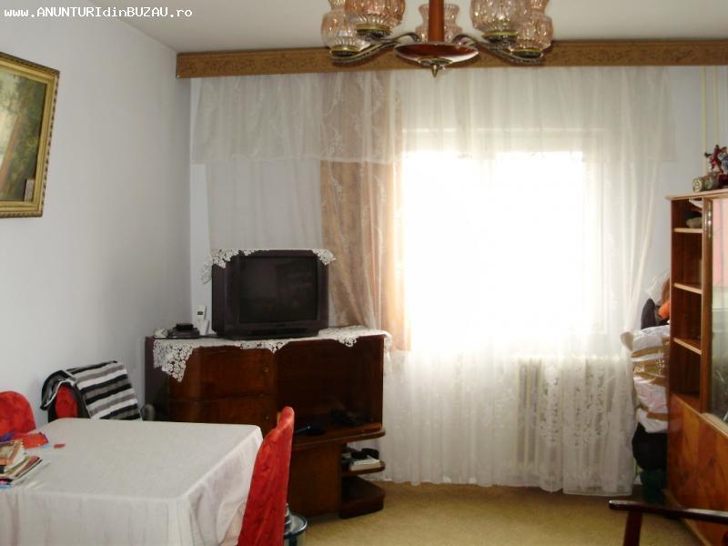 Apartament 2 camere, decomandat, Brosteni, etaj 2 [393]