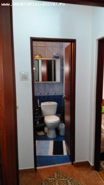 Vânzare apartament 2 camere confort 1 semidecomandat, etaj d