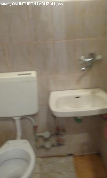 vand apartament 2 camere cofort 2 et 2/4 cu balcon zona micr