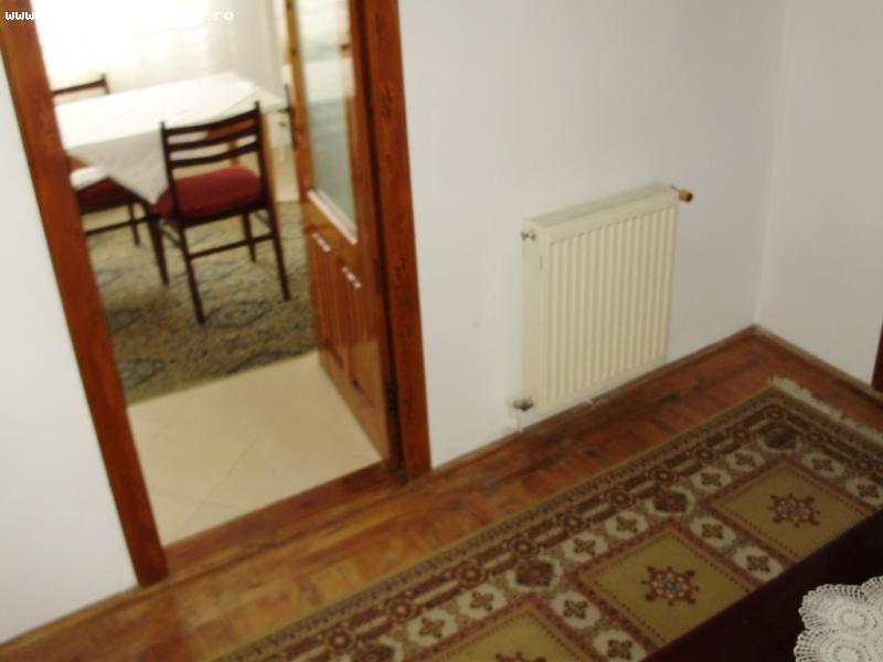 Vând apartament cu 3 camere 1 Decembrie 1918, confort sporit