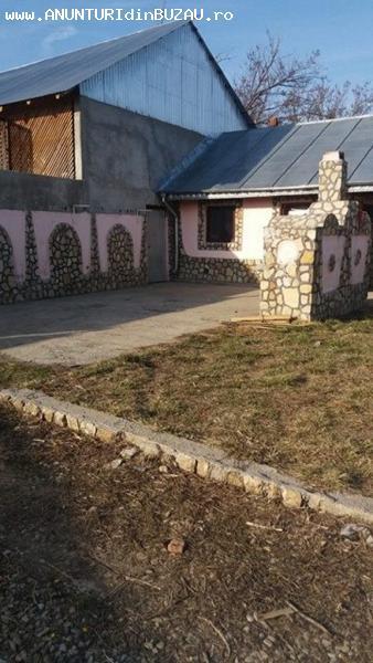 Se vinde o casa situata la aproximativ 30 Km de Buzau