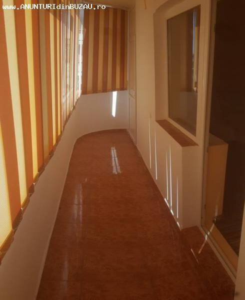 Apartament cu 3 camere zona 1 Decembrie; renovat  Tip imobil