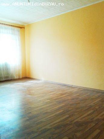 Vanc apartament 2 camere decomandat Rm Sarat