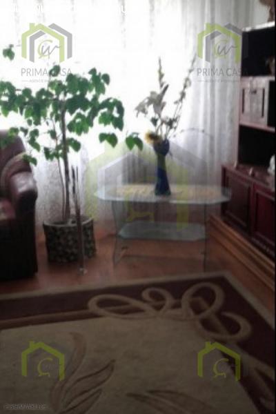Apartament cu 2 camere; zona Brosteni / Colegiu; etaj 1din4;