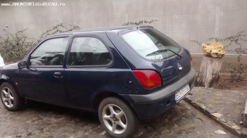 Vând Ford Fiesta