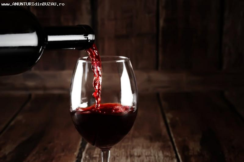 vin rosu si tuica tescovina