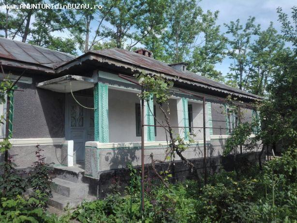 Vand casa mare comuna Glodeanu Sarat