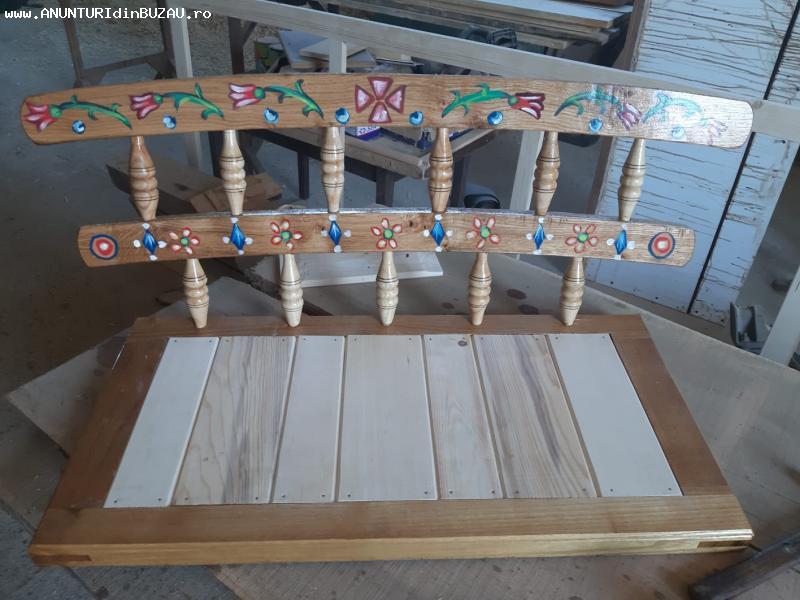 Mobilier din lemn