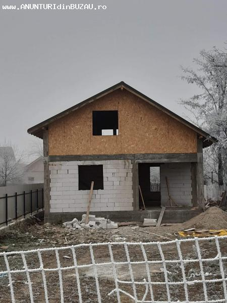 Casa la rosu - Maracineni