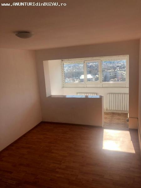 Vanzare apartament 2 camere zona Micro 5