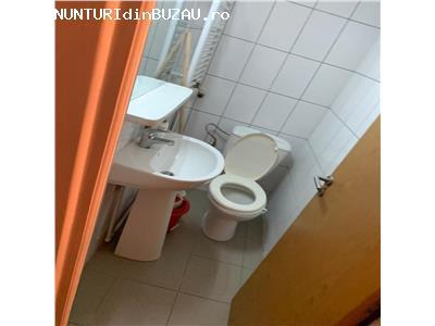 Vanzare apartament 3 camere zona CAMERA DE COMERT