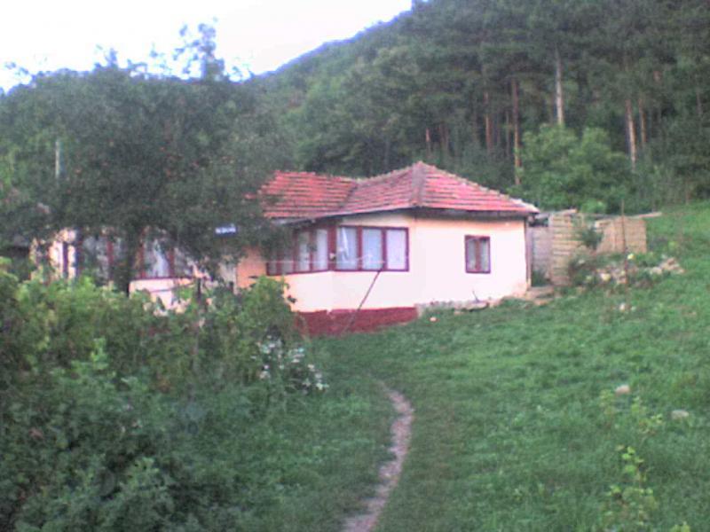 casa de vanzare locuibila in niculesti com. vintila voda