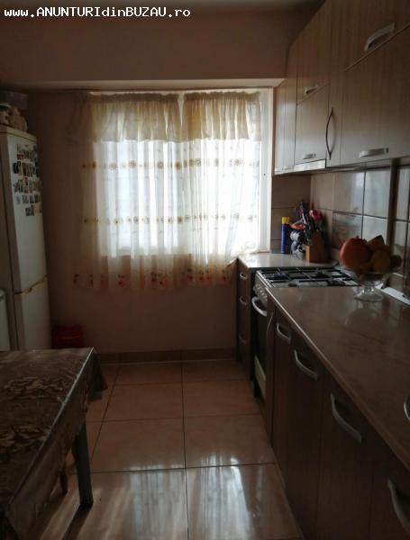 Apartament de vanzare, 3 camere, Micro 5