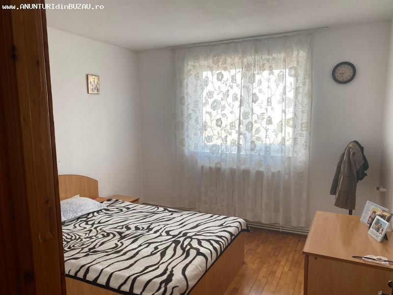 EXCLUSIVITATE Vanzare Apartament cu 3 camere, confort 1, Ult