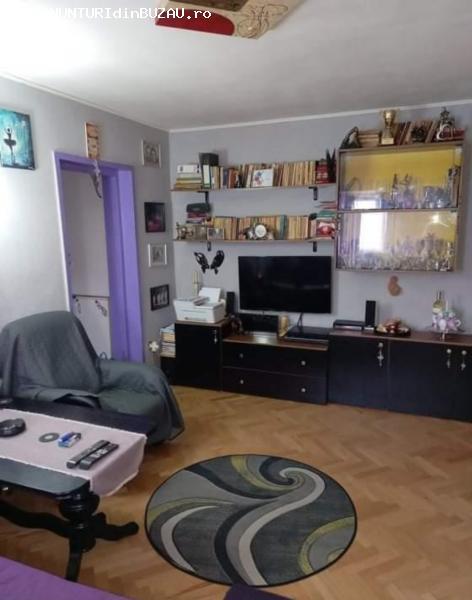 apartament de vanzare, 2 camere, zona Crang